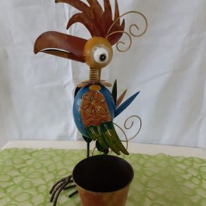 Vogel mit Blumentopf