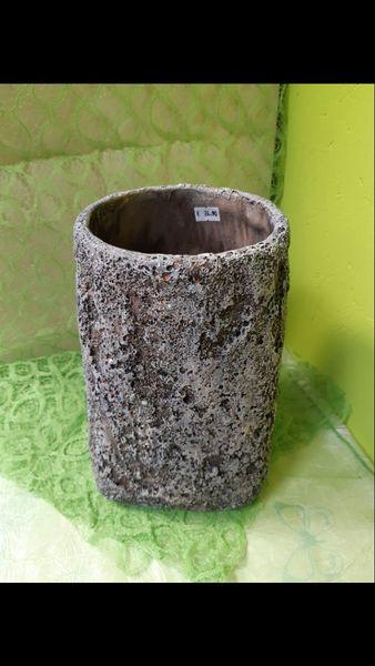 Vase aus Lavastein